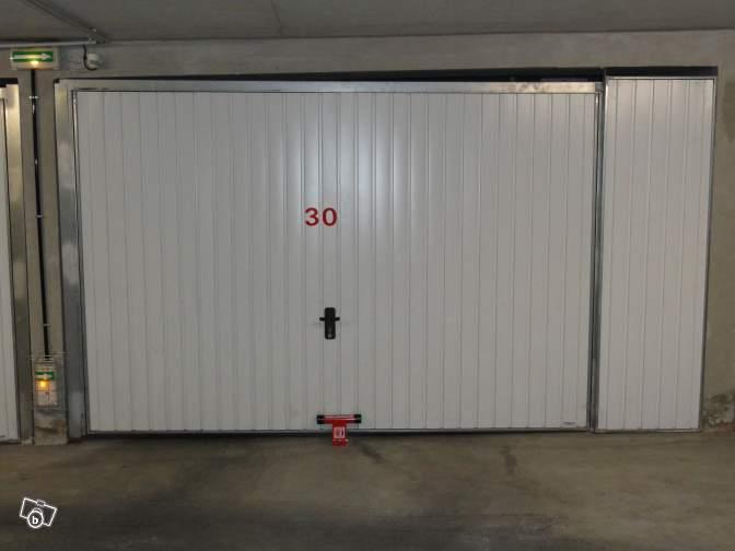 Grand garage porte marine acc s handicap la seyne sur for Garage 2000 la seyne