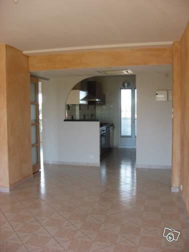 appartement t3 dans r sidence les mouettes istres d partement 13 petites annonces immobili res. Black Bedroom Furniture Sets. Home Design Ideas