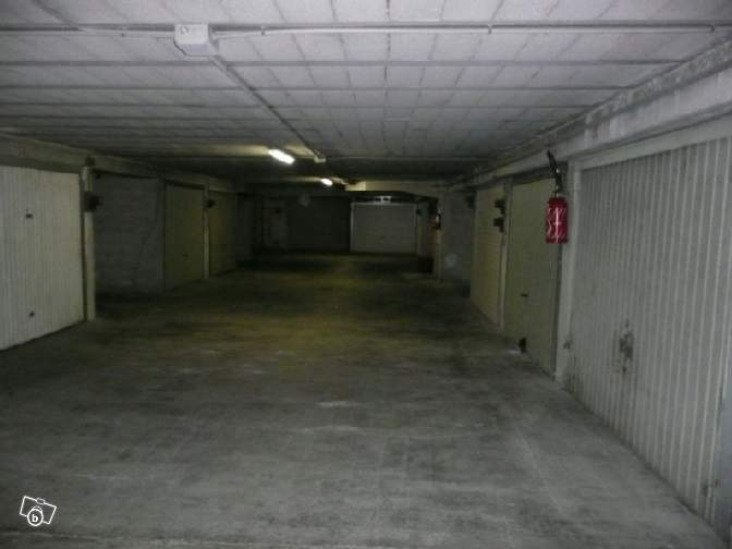 Garage parking 13m2 nice d partement 00 petites for Garage parking nice