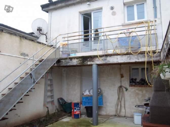 Immeuble chateaudun ch teaudun d partement 28 petites for Piscine chateaudun