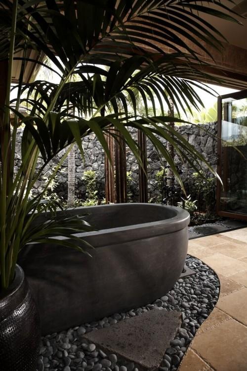 Salle de bain tropical knudson interiors architecture - Salle de bain tropicale ...
