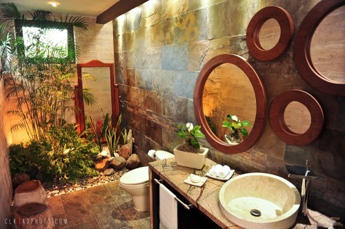 salle de bain tropical garden bathroom architecture. Black Bedroom Furniture Sets. Home Design Ideas