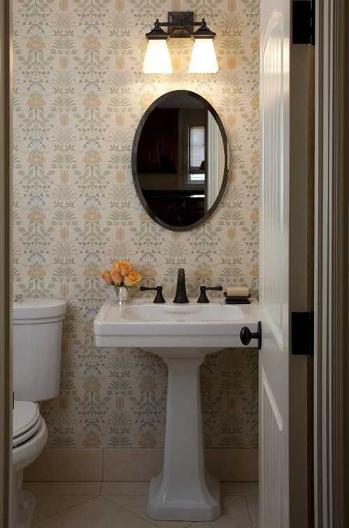 Toilettes traditionnel lindy donnelly architecture for How do you remodel a bathroom
